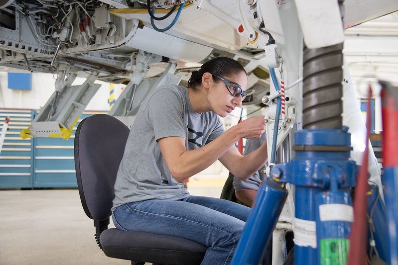 NASA Engine Maintenance Training CC-BY-NC https://www.flickr.com/photos/nasa2explore/49243482926/